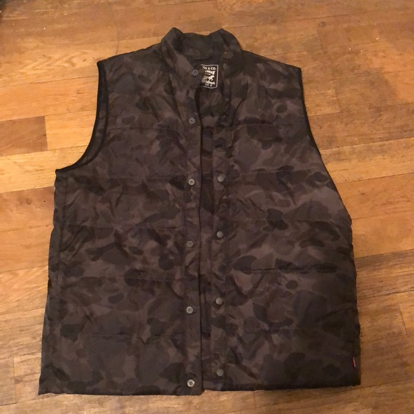 940201729493d Signature by Levi Strauss Jackets & Coats | Camouflage Down Vest ...